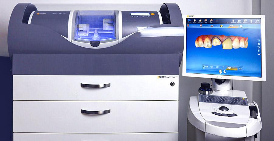 Arbeit mit modernster CAD/CAM Technik in der Zahnarztpraxis Waseem Ashlak in Erfurt